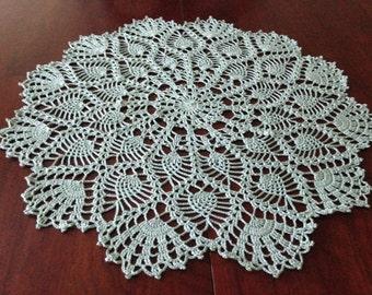 "18"" Green Pineapple Doily, large round doily, handmade crochet"