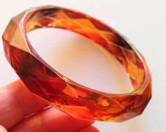 Bangle - slim amber faux tortoise shell faceted lucite plastic bangle
