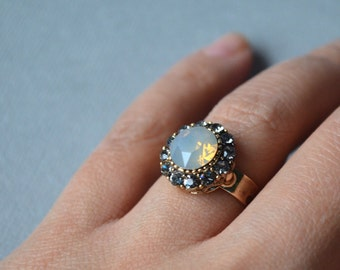 Beige opal crystal ring