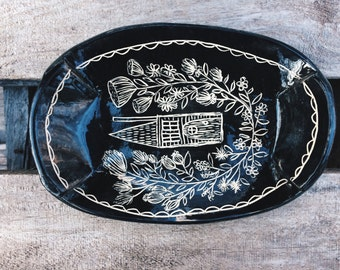 Folk home black and white ceramic dish / jewelry dish/hand illustrated black and white small plate /handbuilt house illustrated catch-all