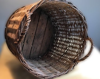 Primitive French Wicker Basket - French Wicker Vinters Basket - Laundry/Market Basket