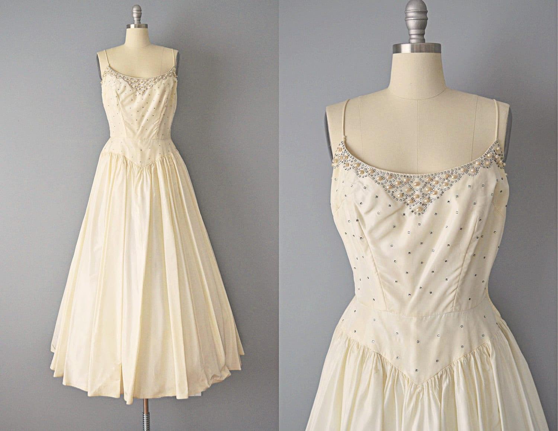 Classic Wedding Dress Satin: Vintage 50s Dress // 1950s Ivory Silk Taffeta Wedding Gown