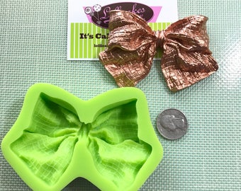 XL Textured Bow