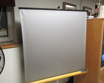 "KNOX PANORAMA Portable Tri pod  MOVIE Screen , Projection Screen ** 40"" x 40"" screen"