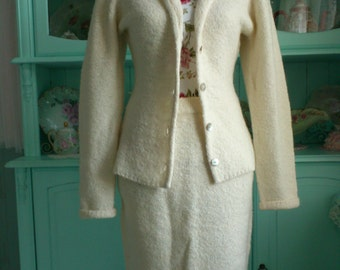 Vintage ivory boucle knitted two piece Suit Medium