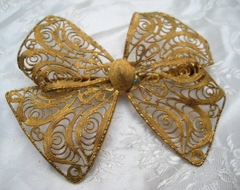 STUNNING Vintage Goldtone 1940s/ 50s Filigree BOW BROOCH Bohemian