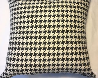 Duralee large Houndstooth black and white (cream) 18 x18 Pillow Covers duralee 36238 black
