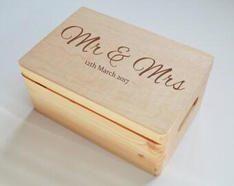 Personalised Wooden Box, Mr&Mrs box, Wedding Personalised box, Keepsake box, Memory Box, Made to Order, 20x30cm Box