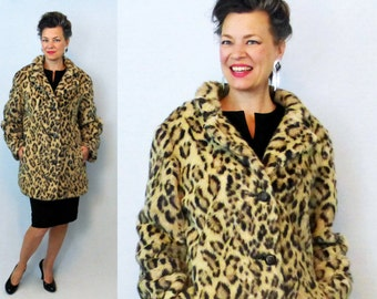 1960s Coat / 60s Coat / Faux Fur Coat / Leopard Print Coat / Fur Car Coat / Cheetah Coat / Winter Coat / 60s Faux Fur Coat / Large Coat