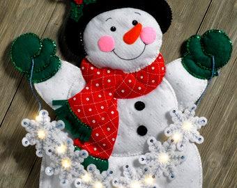 Bucilla Snowflake Snowman ~ Felt Christmas Wall Hanging Kit #86820 Frosty Real Lights DIY