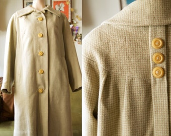 1960s checkered swing jacket in light brown and blue.