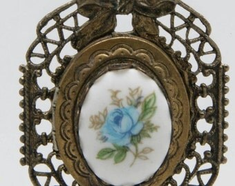 Antique Brass Lariat Necklace Floral Porcelain Picture Locket Pendant Blue Rose Estate Jewelry