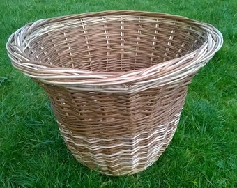 fluted willow Basket