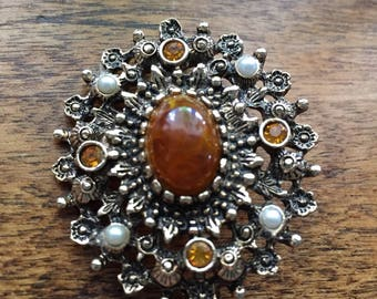 Sarah Coventry Amber and Gold Tone Brooch
