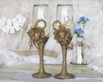 Rustic Toasting Glasses, Champagne Glasses, Wedding Glasses for the Toast, Wedding Flutes, Champagne Flutes with Burlap & Lace, Wedding Gift