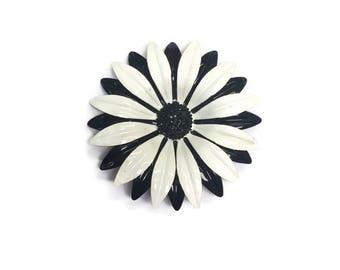 Black and White Enamel Flower Brooch, Vintage 1960s Flower Pin, Mod Flower Power Jewelry, Daisy Brooch, Costume Jewelry