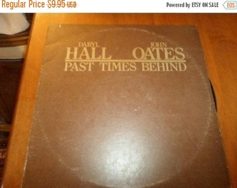 Save 30% Today Vintage 1976 LP Record Darryl Hall John Oates Past Times Behind Chelsea Records 2220