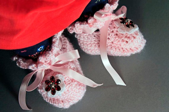 Pink Baby Booties, Crochet, Baby Girl's Booties, Handmade, Infant Booties, 0-3 months,  Ribbon Ties, Baby Shower Gift