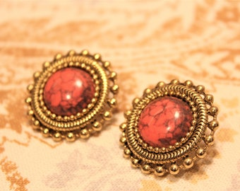 Vintage Gold Toned Earrings