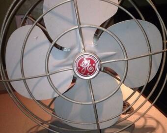 Vintage 1950's General Electric Oscillating Desk Fan Gray Steel Works GE