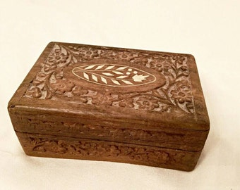 Hand carved box - hand carved jewelry box - vintage jewelry box - vintage trinket box - memory box - treasure box - vintage hand carved wood