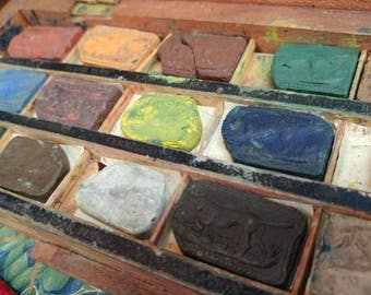 Antique Superior London Made Water Colours Box.