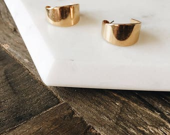 1990's Dead Stock Vintage Chunky Wide Gold Hoop Earrings Small