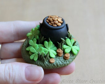 Small Lucky Pot of Gold Figurine