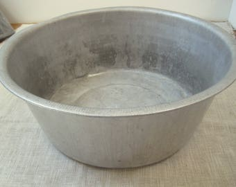 """Primitive Aluminum Pan Wash Basin Bowl 15"""" Vintage Farm Cottage Chic Country Farmhouse Kitchen"""
