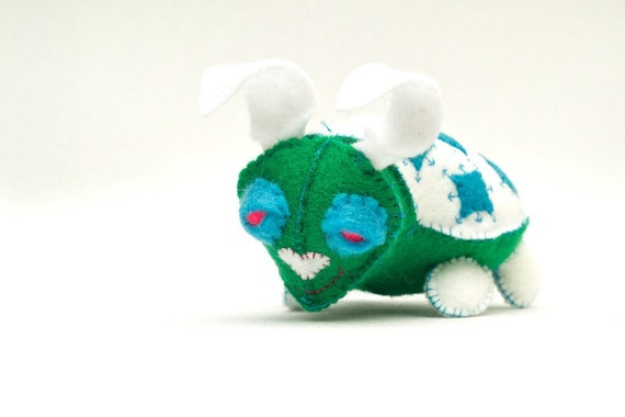 OOAK Handmade, Felt Craft Sculpted,  Fred the Green, White, Blue Snow Bunny Turtle