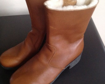 Vintage brown leather sheepskin lined boots 9 1/2