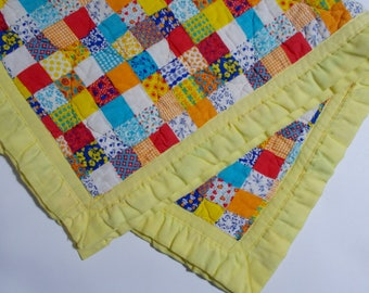 Vintage Baby Blanket Pre-Quilted Fabric Patchwork Squares Print Yellow Trim Edge Throw Quilt 33 x 44