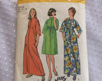 1973 Simplicity Jiffy Pattern # 6048, Robe, Misses Size Medium