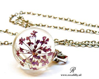 Real Flower Resin Sphere Necklace. Queen Anne's Lace flower necklace Dried flower necklace. Floral Resin jewellery. Gift for bride. Gift her
