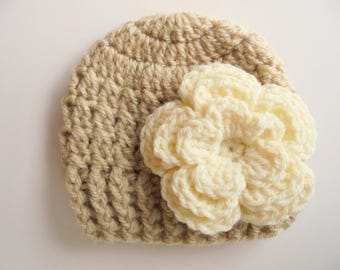 Baby girl hat Beige baby hat Newborn girl hat Baby beanie Crochet baby hat Girl newborn outfit Girl hospital hat Take home outfit Baby hat