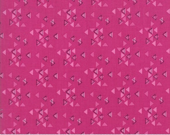 SPECTRUM Triangles in Magenta by V and Co for Moda