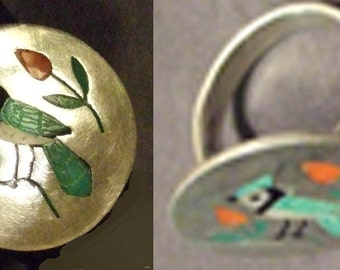 Zuni Vintage Native American blue jay bird inlaid sterling ring, size 7.