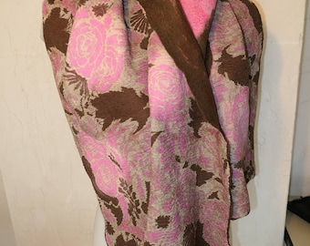 Nuno felted scarf made of Merino Wool with silk fabric