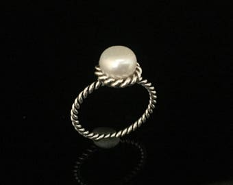 White Pearl Ring // 925 Sterling Silver // Rope Setting // Natural Freshwater Pearl