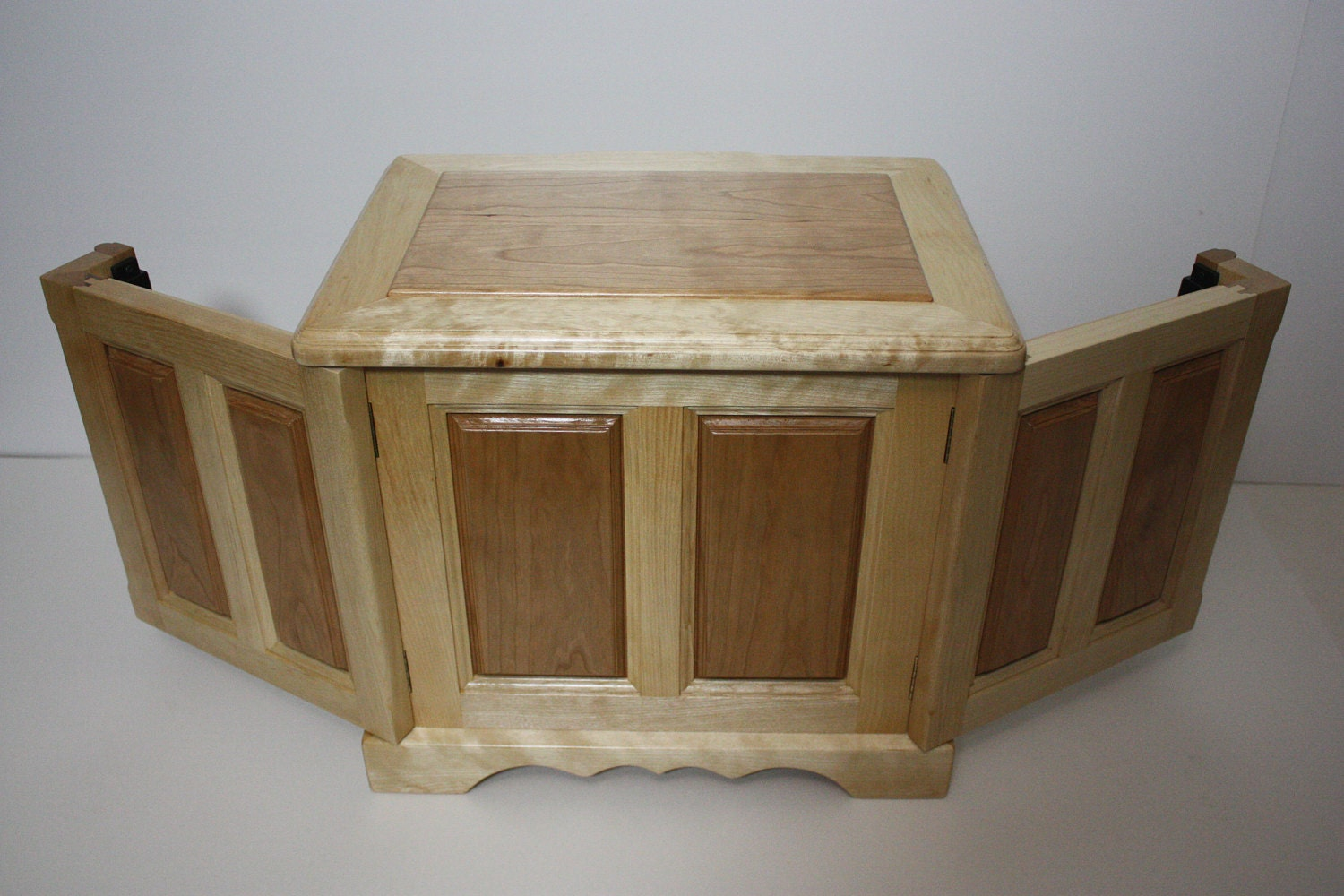 Jewelry Box with Swing Out Sides for Necklaces and Earrings