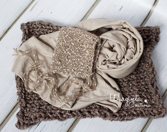 Three piece set for newborn. Wrap 150cmx50cm, chunky knitted blanket layer 40cmx44cm and handmade hat for newborn. Photo prop. Ready to send
