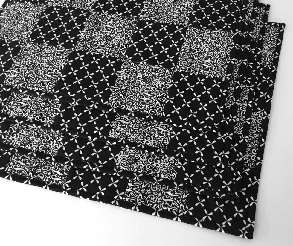 black and white quilted placemats set of 4 handmade patchwork. Black Bedroom Furniture Sets. Home Design Ideas