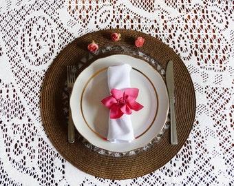 Fuchsia pink napkin ring, floral wedding, napkin ring, napkin holder, wedding table decor, lace flower napkin ring, pink napkin ring, pink