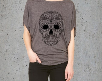 Sugar Skull Clothing,SUGAR SKULL T Shirt)Girlfriend Gifts,Day of the Dead Clothing-Flowy Slouchy Tunic,Women's Graphic Tee-Birthday Gifts