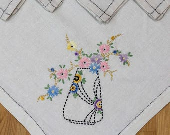 Embroidered Table Cloth & Napkins, Linen Bridge or Luncheon Set, Four Napkins, Flowers and Vase, Shabby Chic Decor, 1940s, Vintage Linens