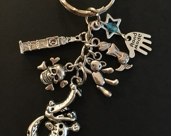Peter Pan themed keyring / bag charm ~ Off to Neverland ~ Tinkerbell ~ Wendy ~ Lost Boys ~ London ~ Birthday gift ~ Customisable x