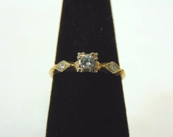 Womens Vintage Estate 14K Yellow Gold & Diamond Ring 1.8g E3012