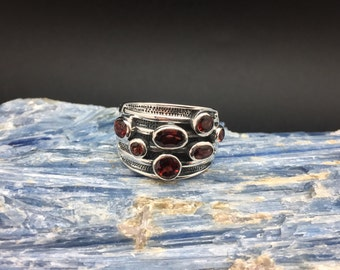 Multi-Stone Garnet Silver Ring // 925 Sterling Silver // Oxidized Etched Setting // Garnet Cluster Ring