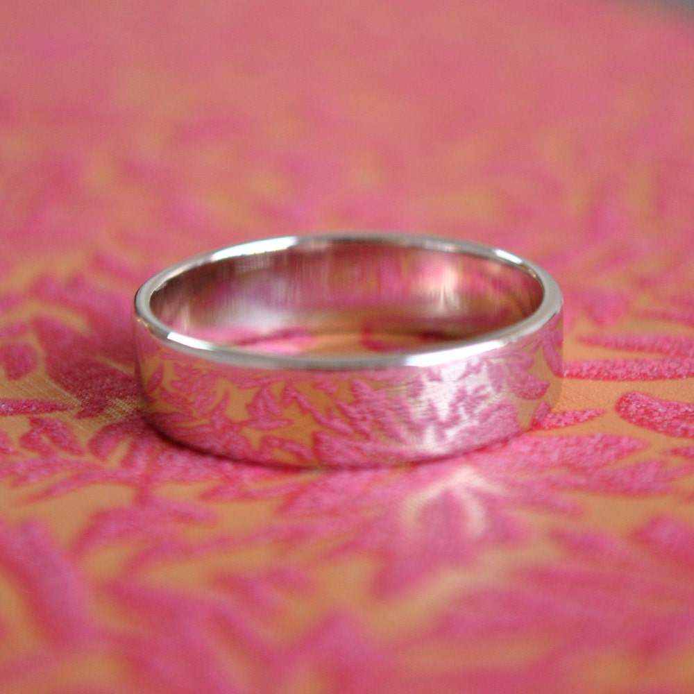 18K Gold Wedding Band. Promise Ring. Solid Gold Band. Men\'s Wedding ...