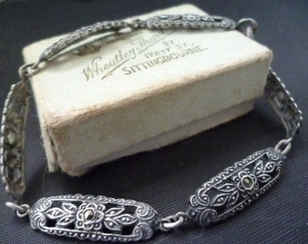 A stunning vintage silver and marcasite bracelet - Foreign silver - 7.5""